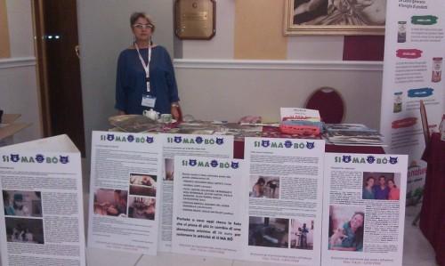 L-instancabile dottoressa Raineri con il banchetto di SIMABO al congresso AIVPA 2012