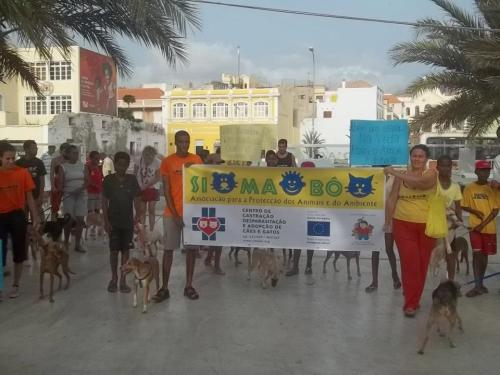 La marcia organizzata da SIMABO per sensibilizzare la popolazione nei confronti del problema del randagismo.